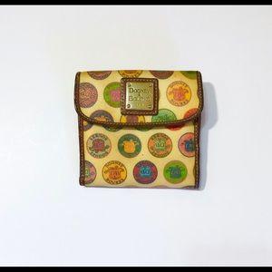 Dooney & Bourke Vintage Snap close Wallet